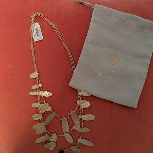 Kendra Scott Gold Nettie necklace - SOLD OUT!